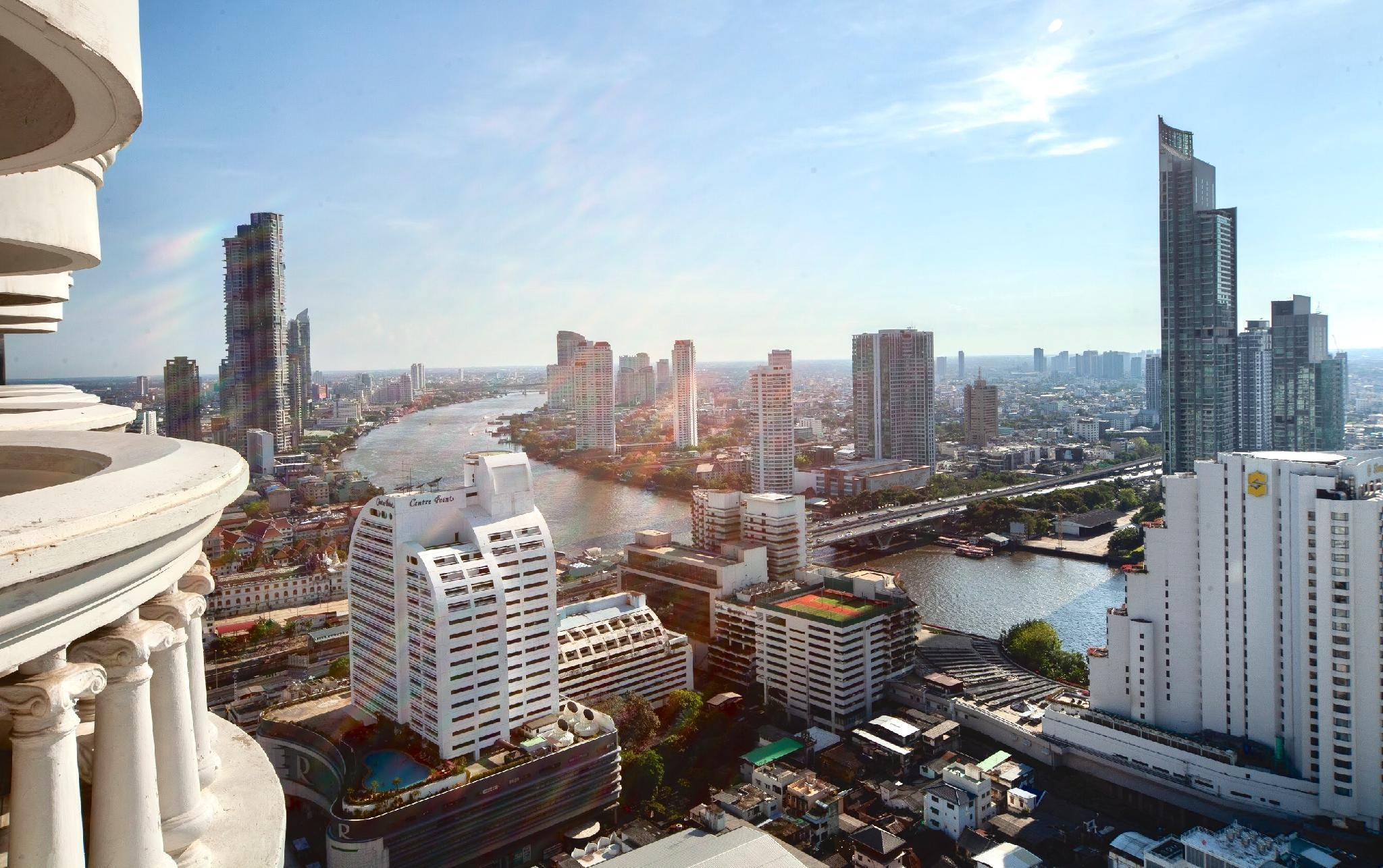Luxury Room With River View In Central Of Bangkok