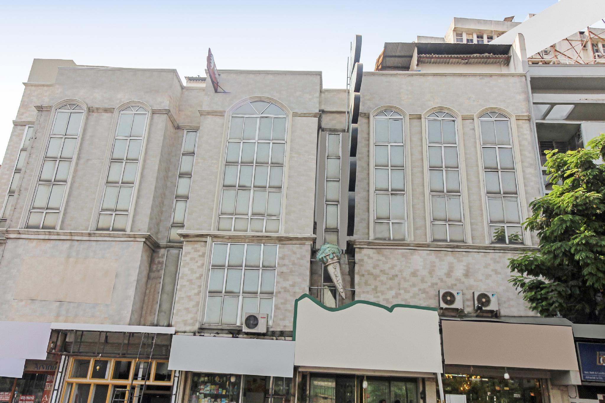 OYO 9302 Hotel Baseraa Inn
