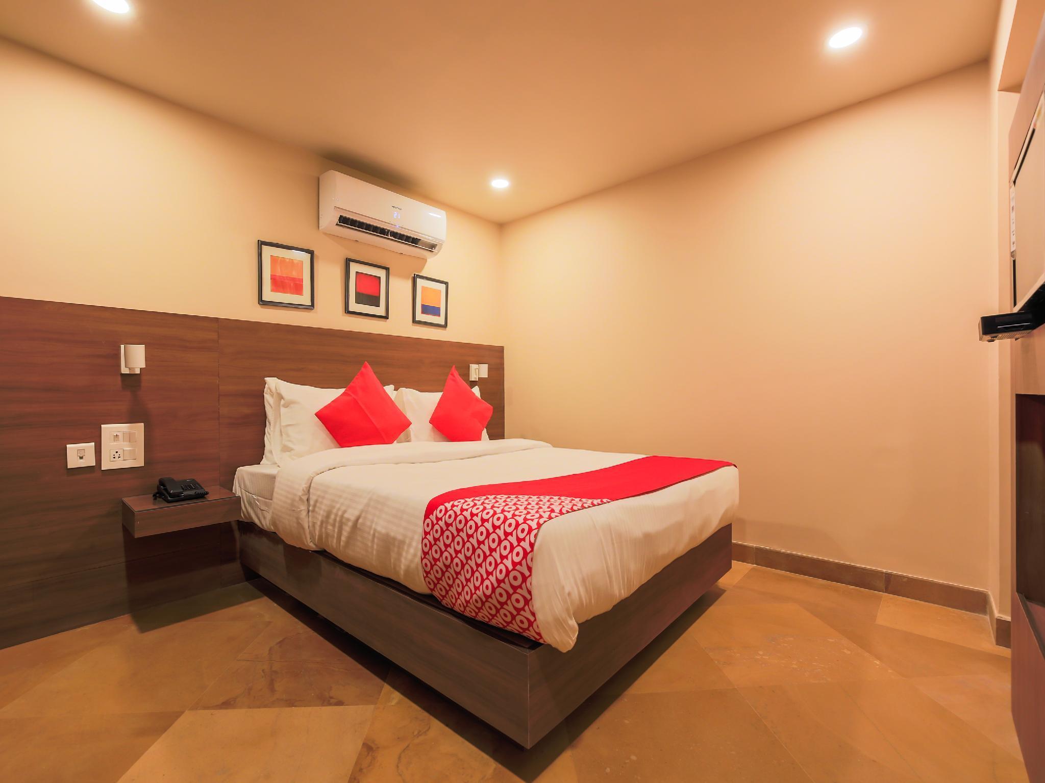 OYO 18951 City Xpress Hotel Rooms