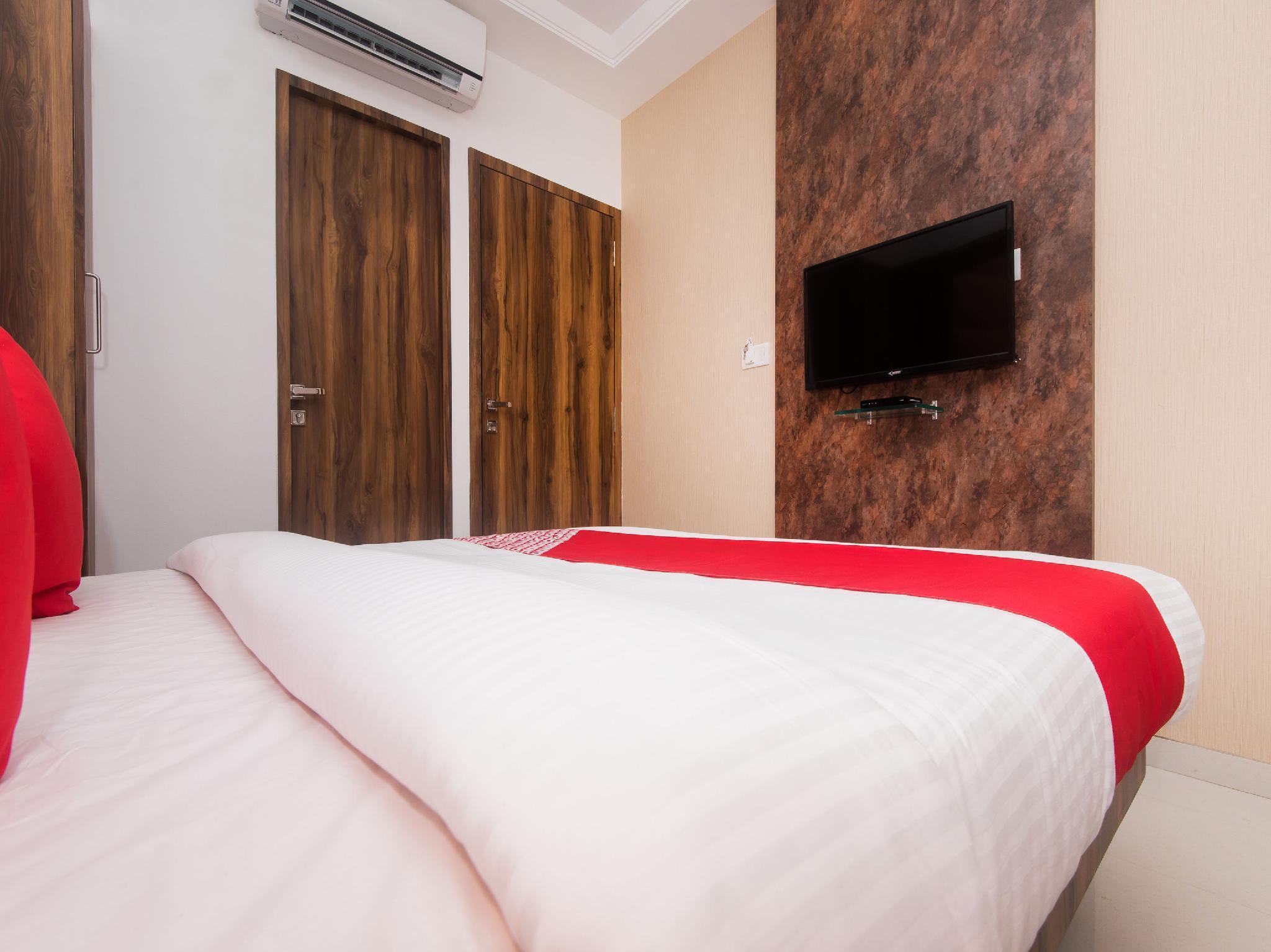OYO 15519 Hotel Grand Residency