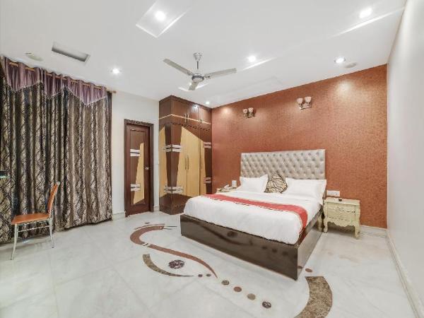 OYO 14231 Santosh Residency New Delhi and NCR