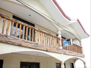 picture 3 of Double Diamond Inn Guest House