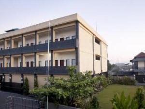 ปนโดะก์ ตามัน 828 เกสต์เฮาส์ (Pondok Taman 828 Guest House)