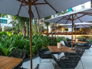 Chatrium Residence Bangkok Sathorn Bangkok - Flow Oasis Pool Lounge