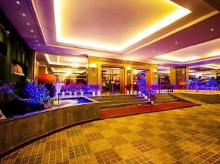 Rembrandt Towers Serviced Apartments Bangkok - Hotellet från utsidan