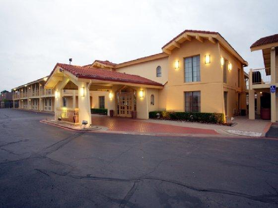 Motel 6-Grand Prairie, TX - Interstate 30