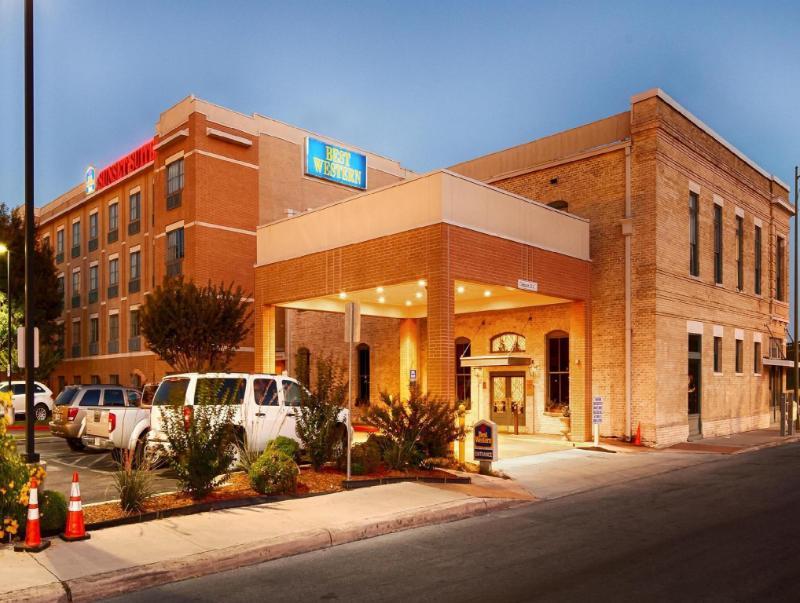 Best Western Plus Sunset Suites Riverwalk Hotel San Antonio