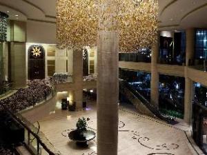 Om Surabaya City Centre Hotel (Pullman Surabaya City Centre Hotel)