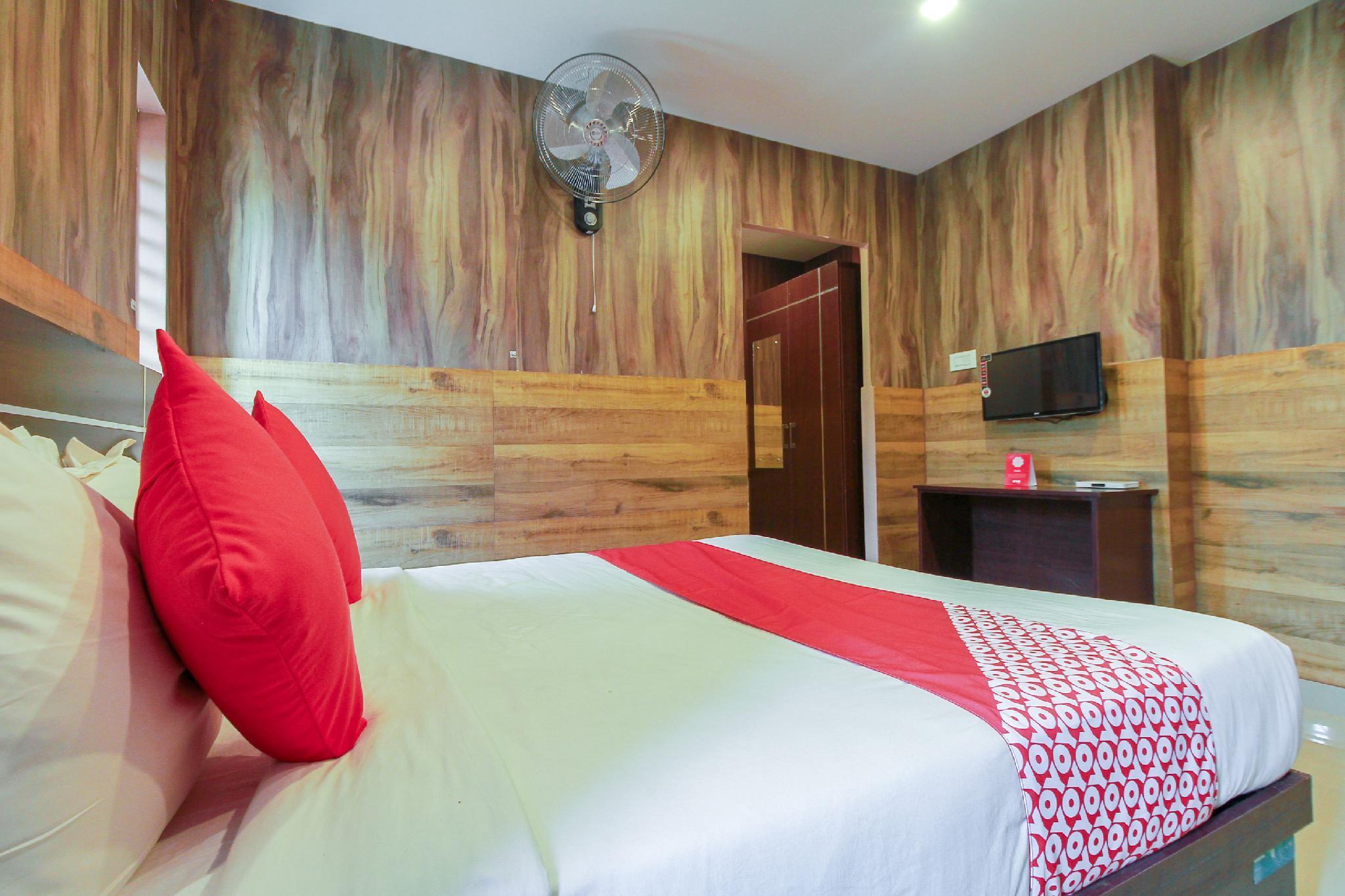 OYO 26990 Hotel Ivory Grande