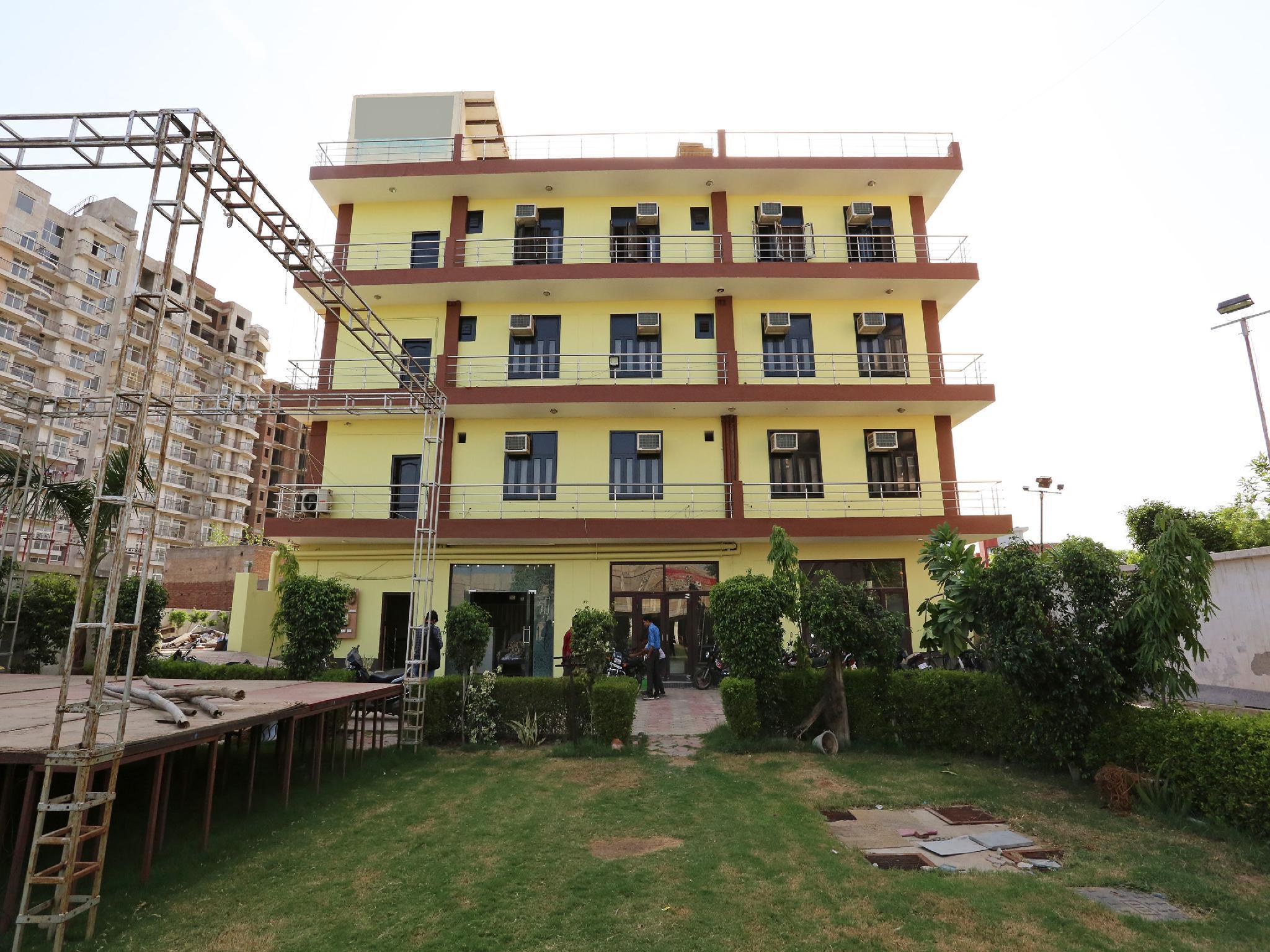 OYO 7812 Shree Radha Resort