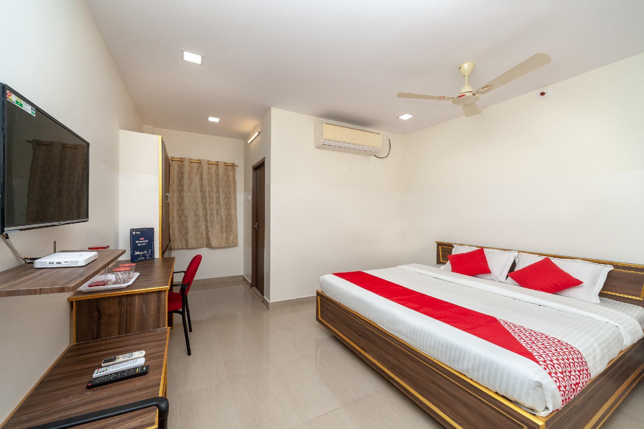 OYO 24580 Sri Surya Guest Inn
