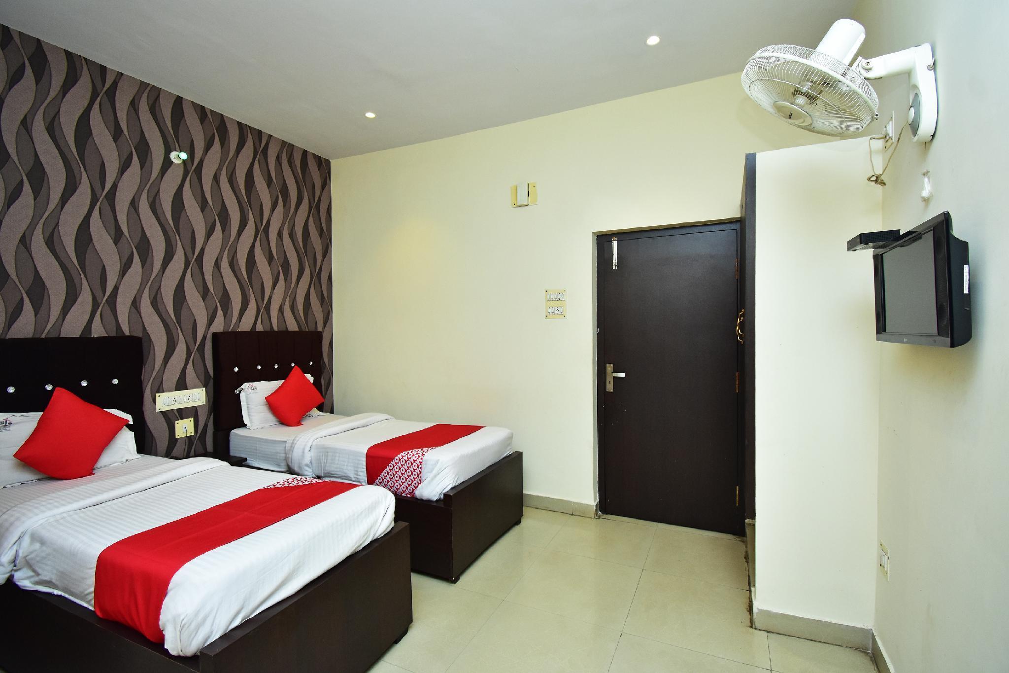 OYO 17111 Hotel Pritika