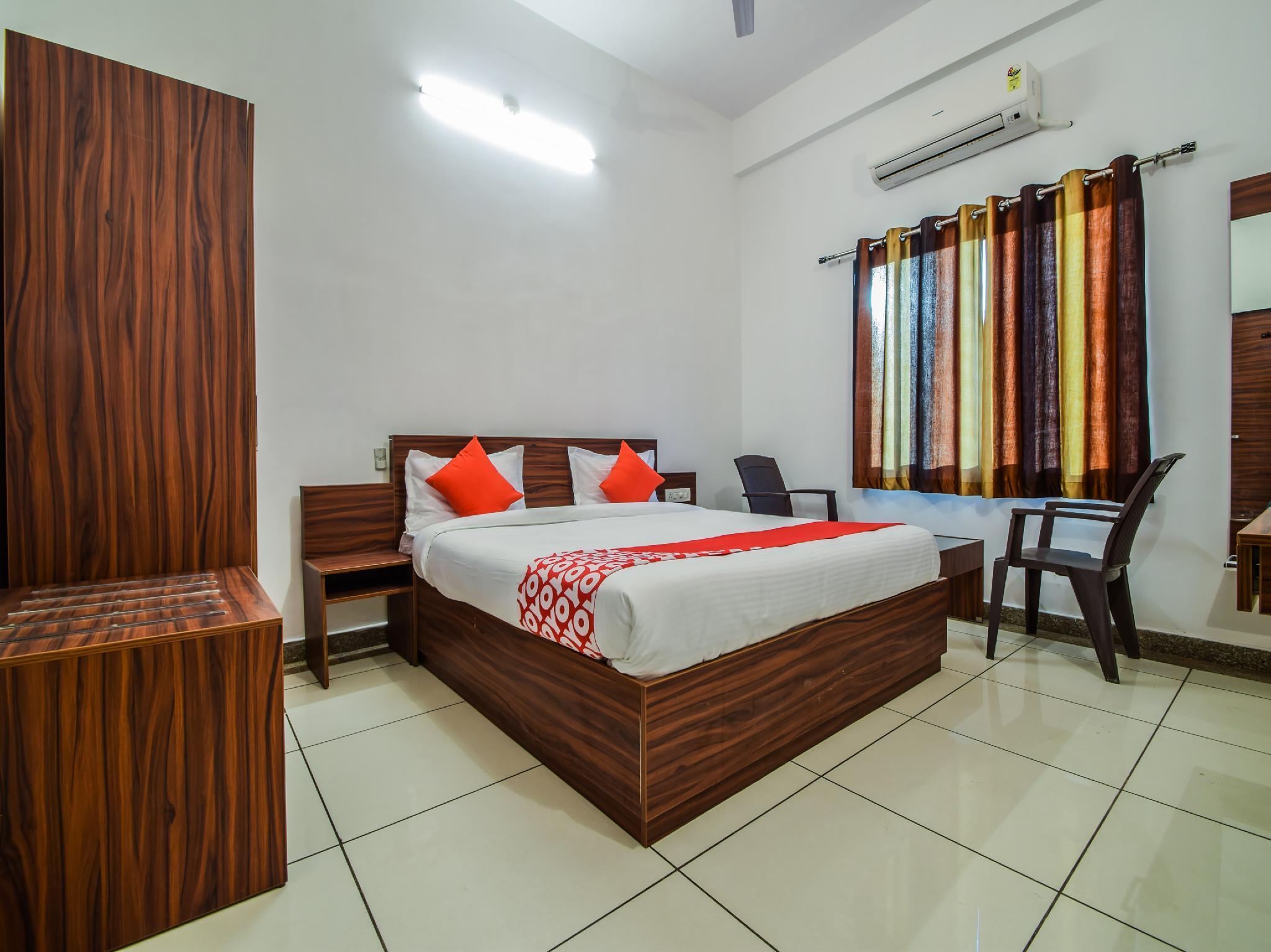 OYO 23381 Hotel Sagar Ratna