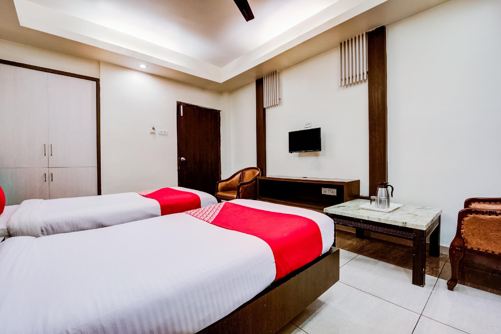 Capital O 3185 Hotel Emerald