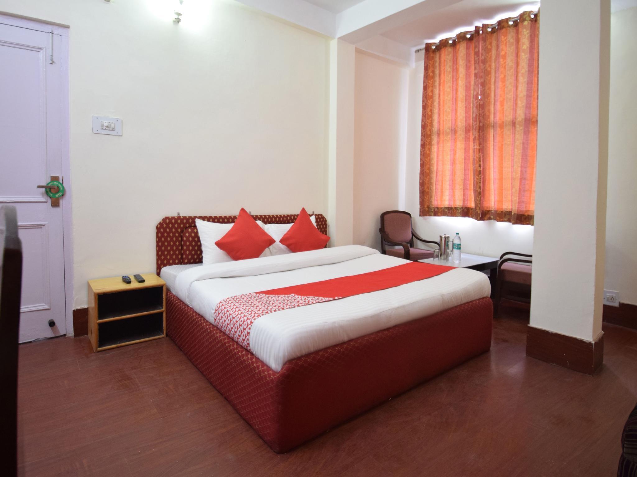OYO 11741 Hotel Nest