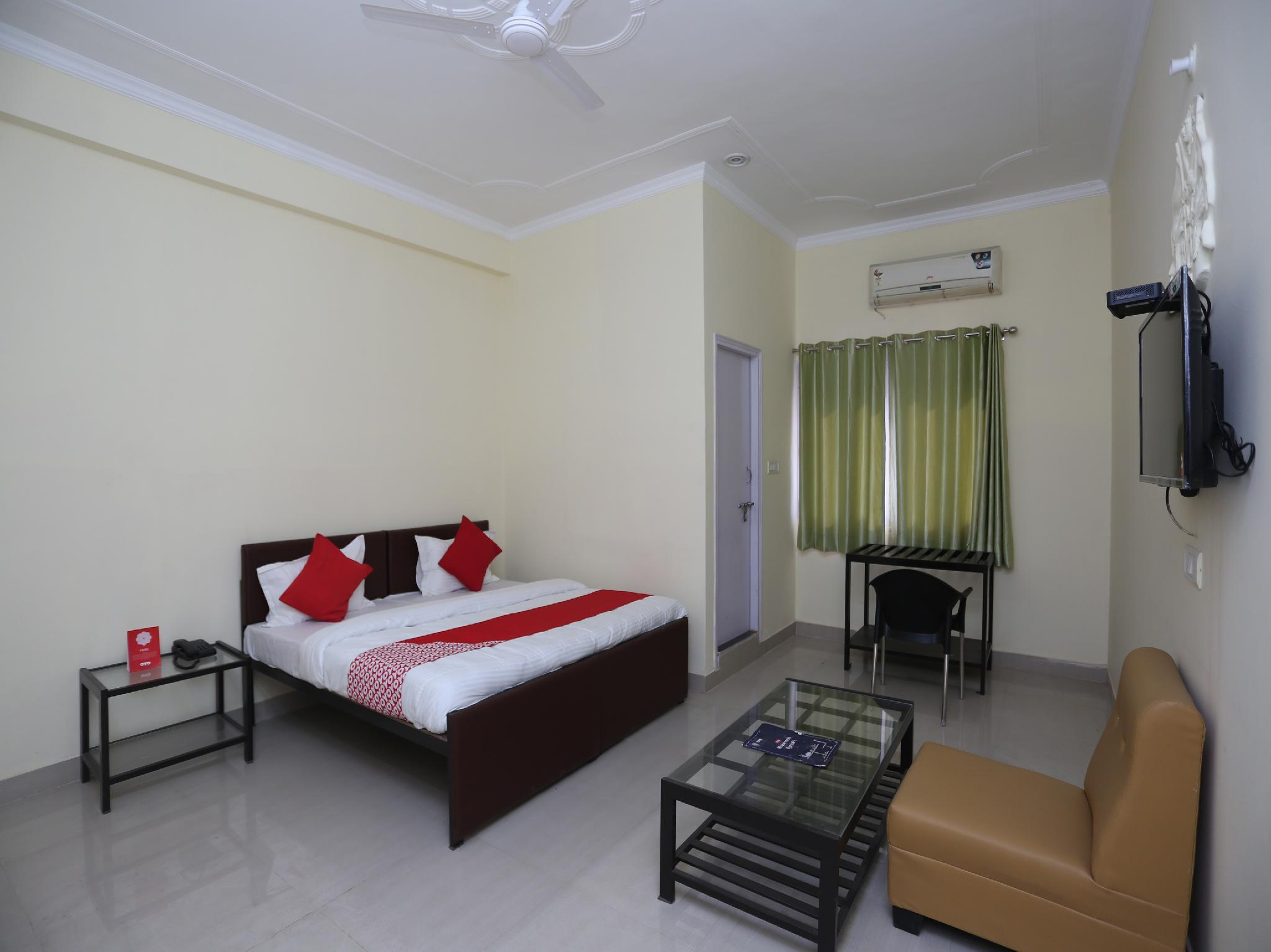 OYO 27618 Priyadarshan Inn