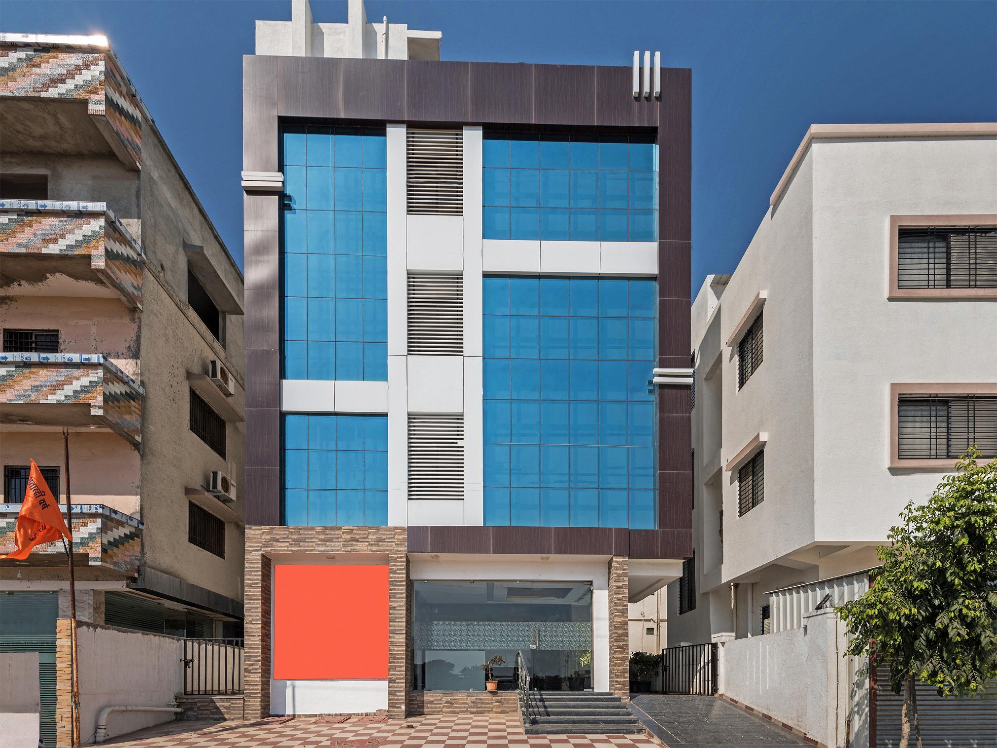 OYO 19196 Shree Sai Niladri Residency