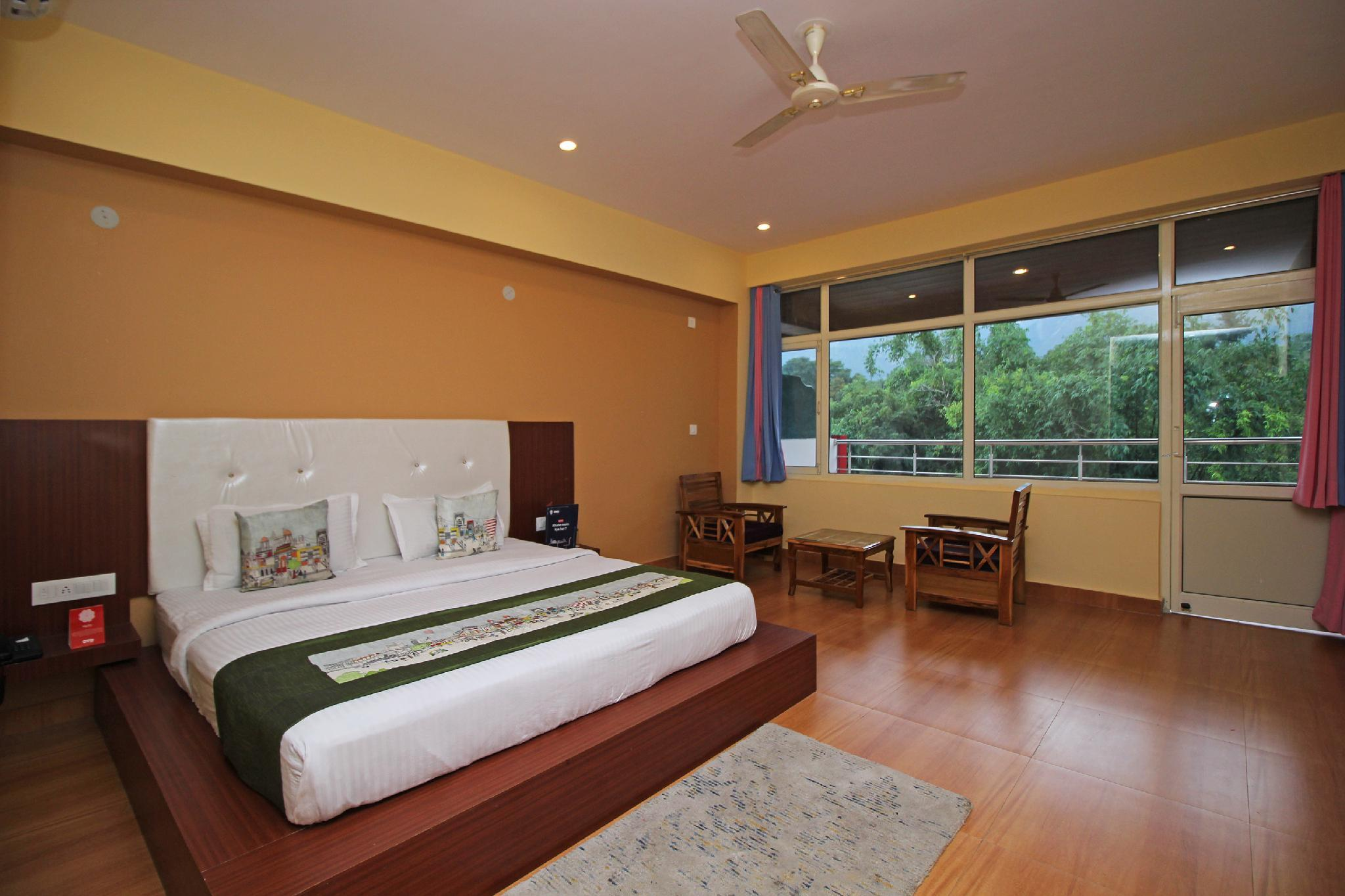 OYO 8944 Hotel Red Carpet
