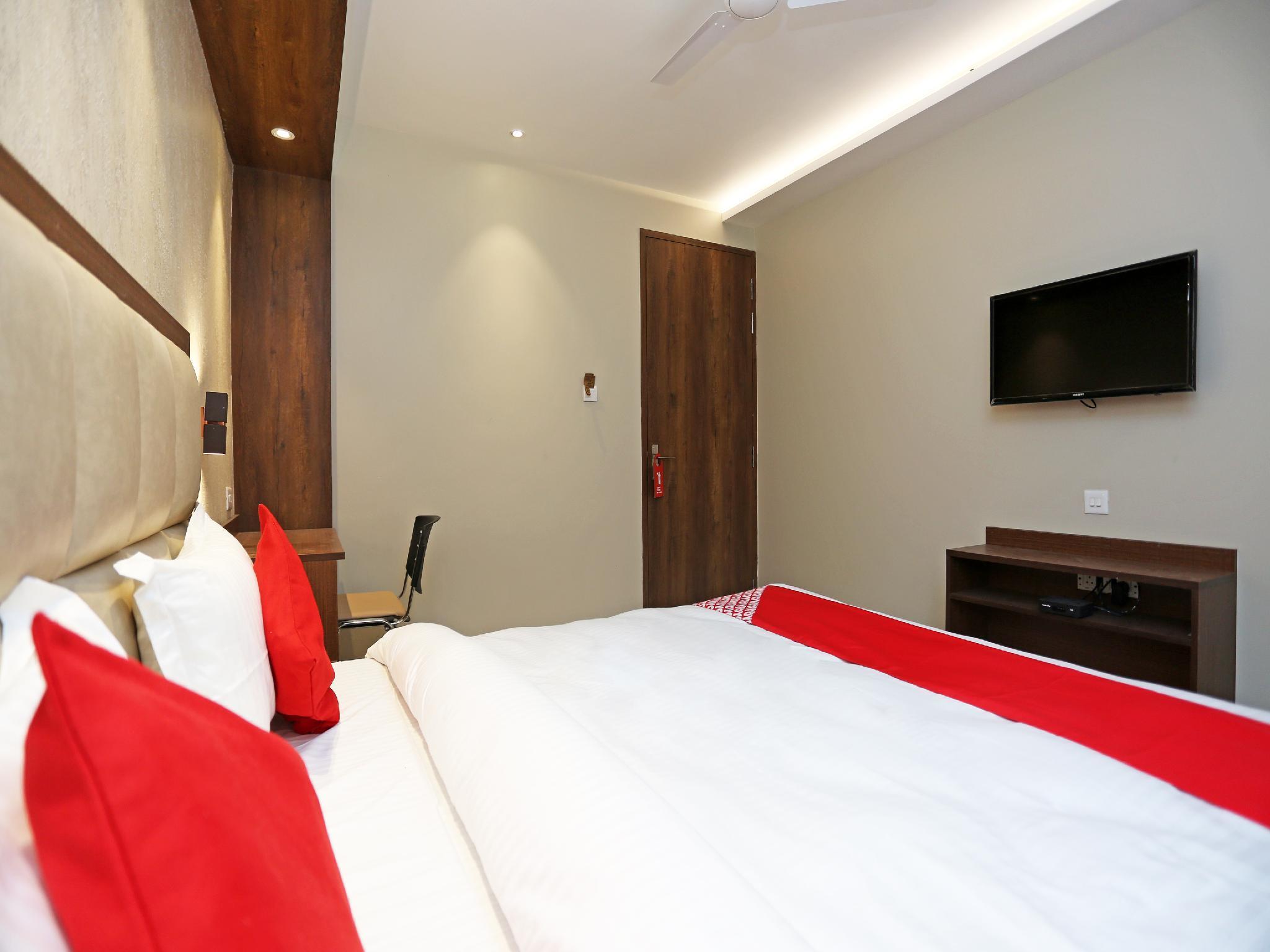 OYO 18890 Hotel City Inn