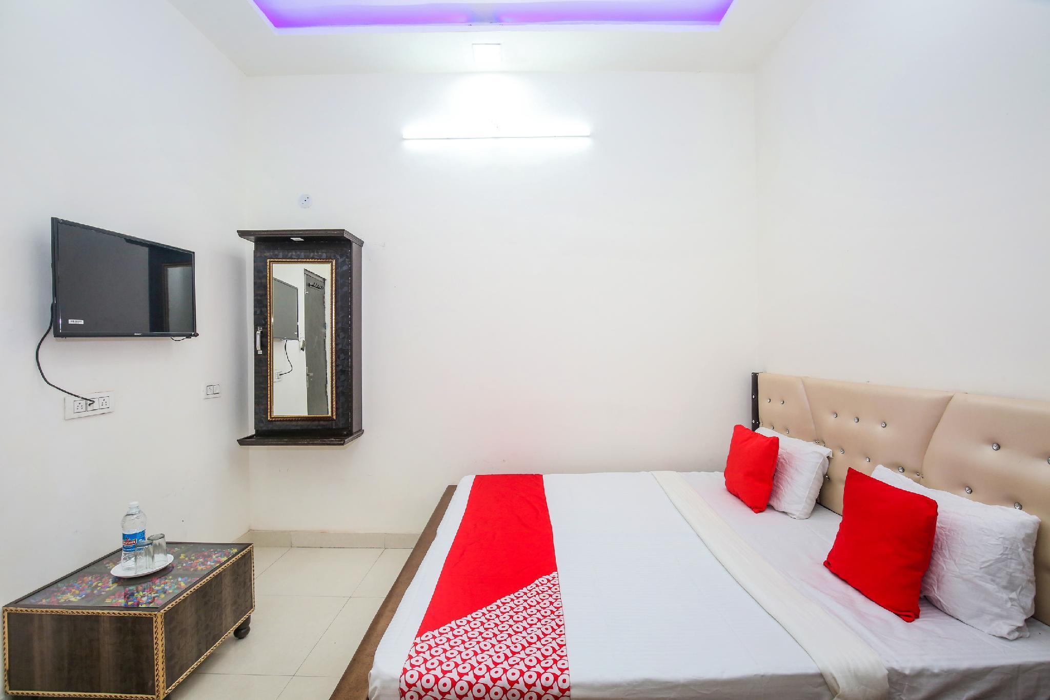 OYO 24851 Hotel R Continental