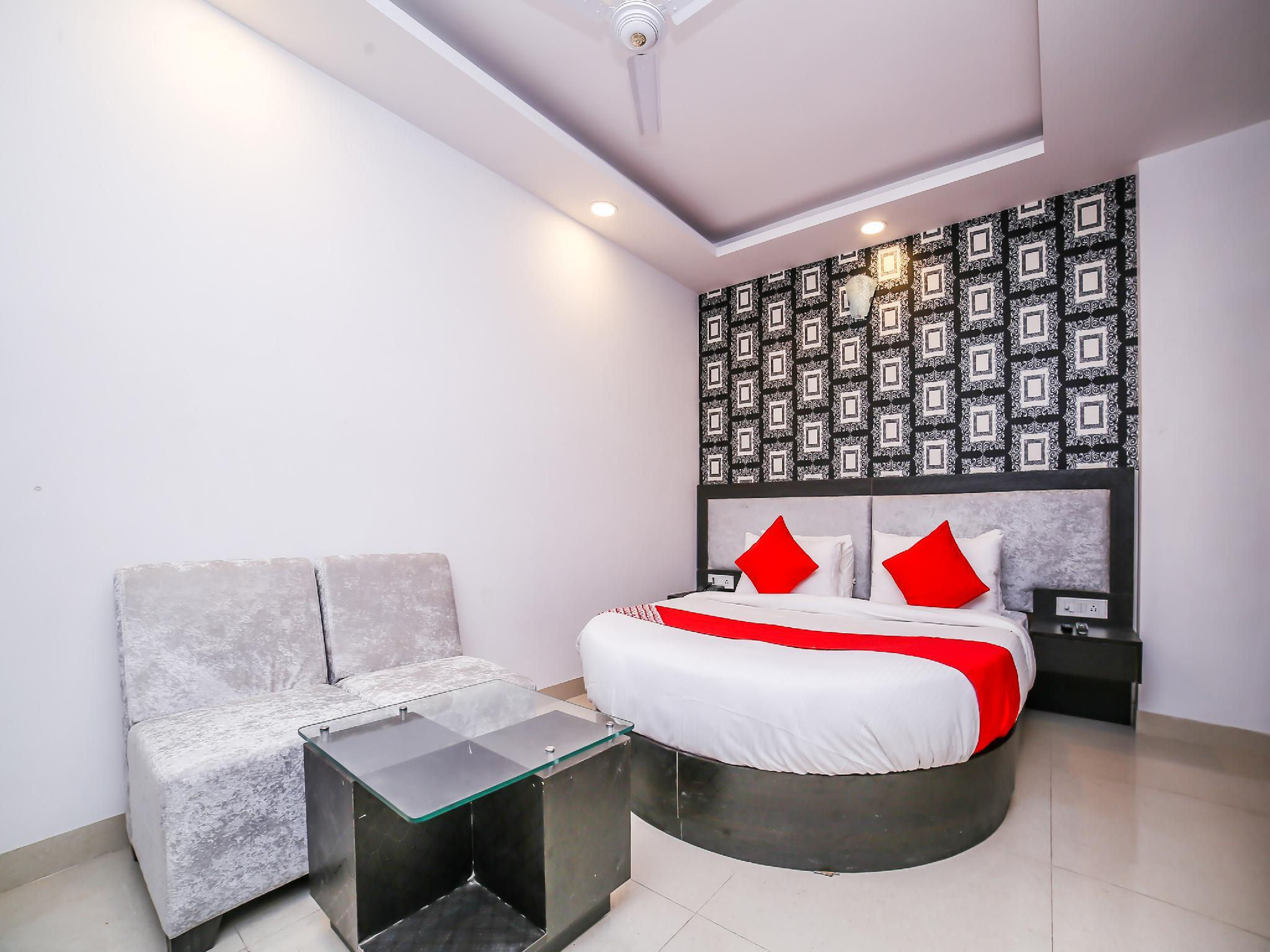 OYO 24943 Hotel Airport Zone Olive