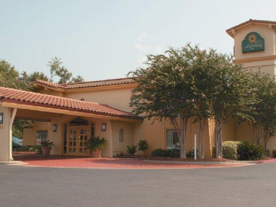 Motel 6 Beaumont TX