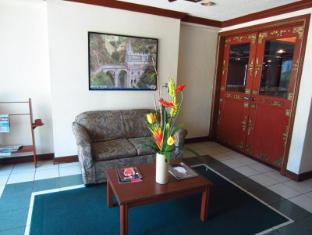 Days Hotel Mactan Island  Mactan Island - Lobby