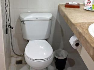 民生大飯店 達沃市 - 衛浴間