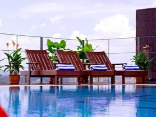 艾麗華網關酒店 古晉 - 游泳池