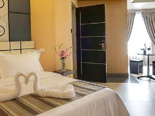 picture 5 of Eloisa Royal Suites