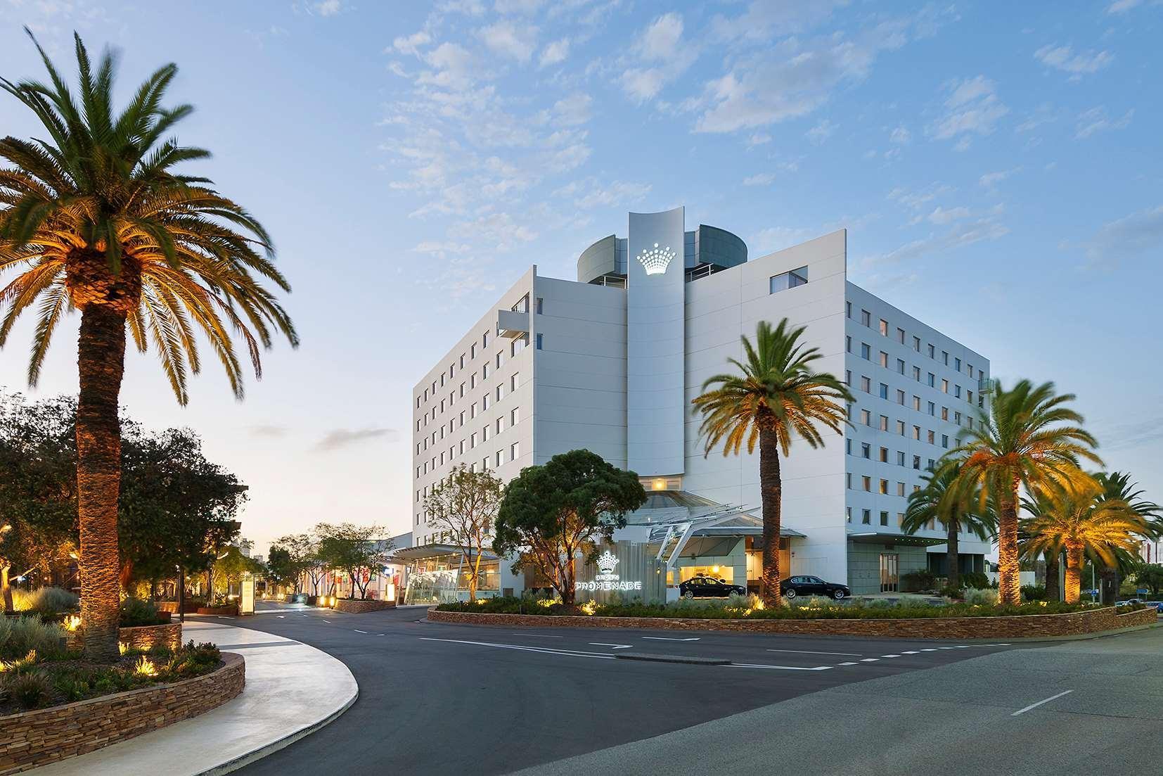Crown Promenade Perth Hotel