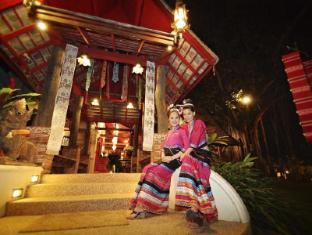 Yaang Come Village Hotel Chiang Mai - Eingang