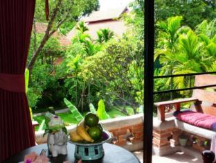 Yaang Come Village Hotel Chiang Mai - Balkon/Terrasse