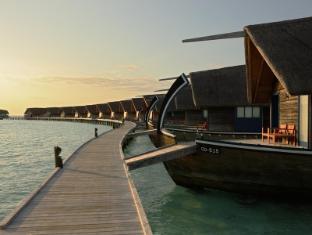 Cocoa Island by COMO Maldives Islands - Dhoni Suites Walkway