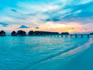 Cocoa Island by COMO Maldives Islands - Sunset