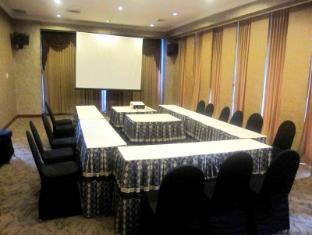 Grand Angkasa International Hotel Medan - Saturnus Room