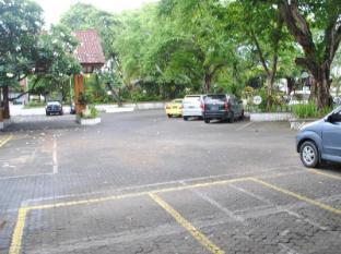 Grand Istana Rama Hotel Bali - Free Parking