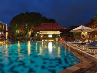 Grand Istana Rama Hotel Bali - Swimming Pool