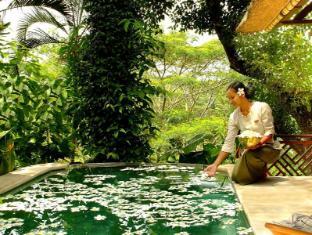 Kupu Kupu Barong Villas & Spa by L'Occitane Bali - Duplex Pool villa honeymoon setup