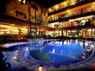 Sukajadi Hotel Bandung - Swimming Pool By the Restaurant side