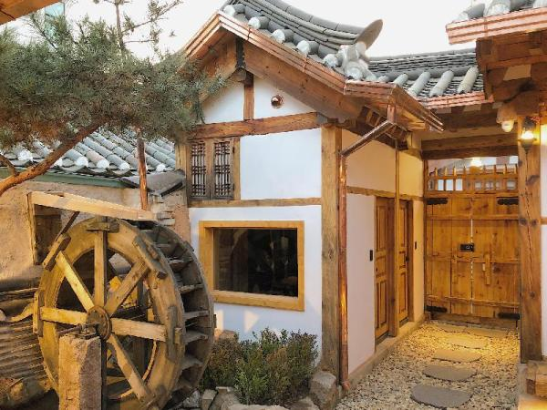 THE WATERWHEEL HOUSE TRADITIONAL 3 MIN MTR/PALACE Seoul