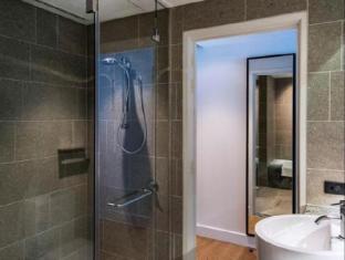 Skycity Grand Hotel Auckland - Bathroom
