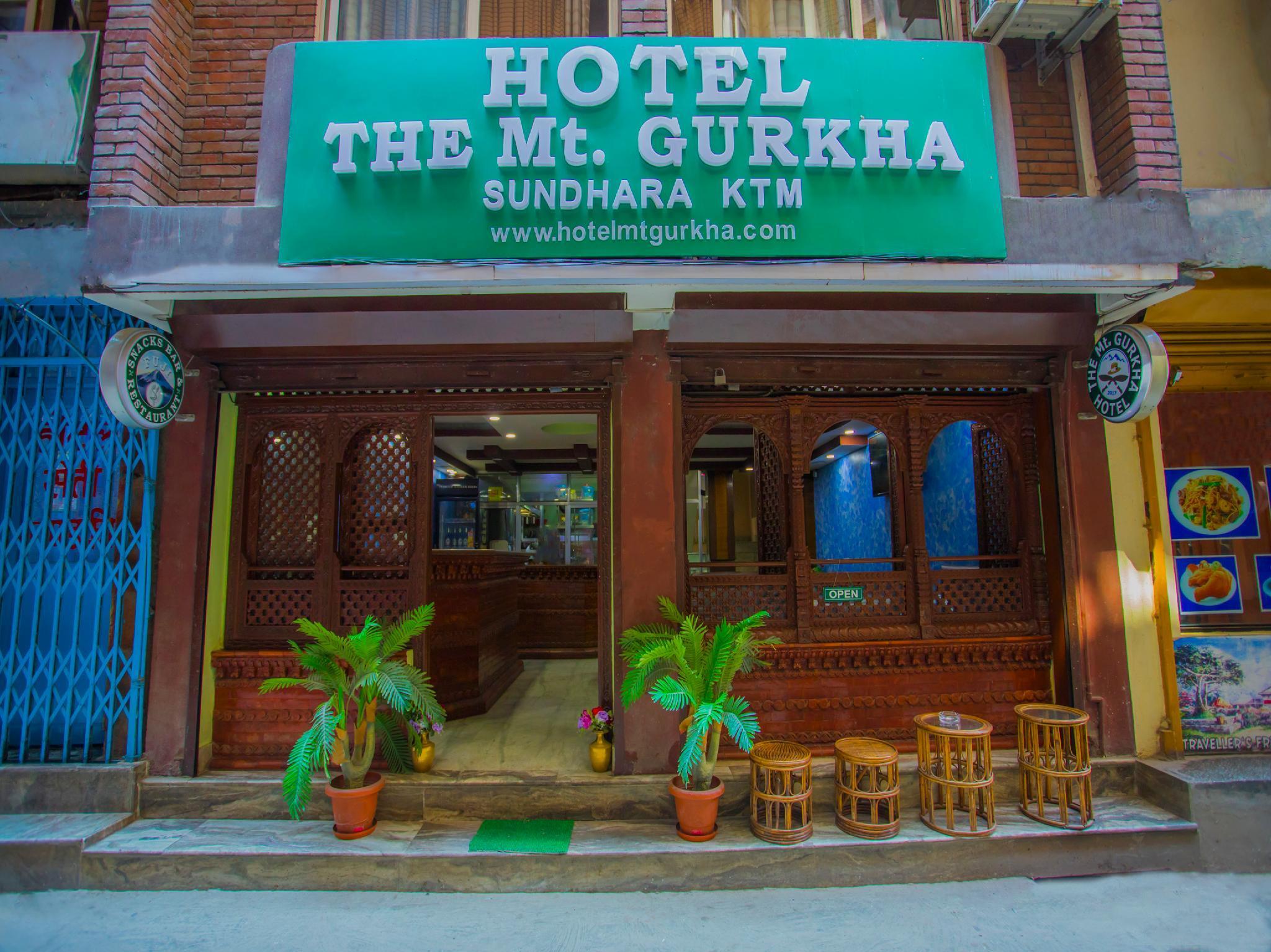 OYO 208 Mount Gurkha Palace