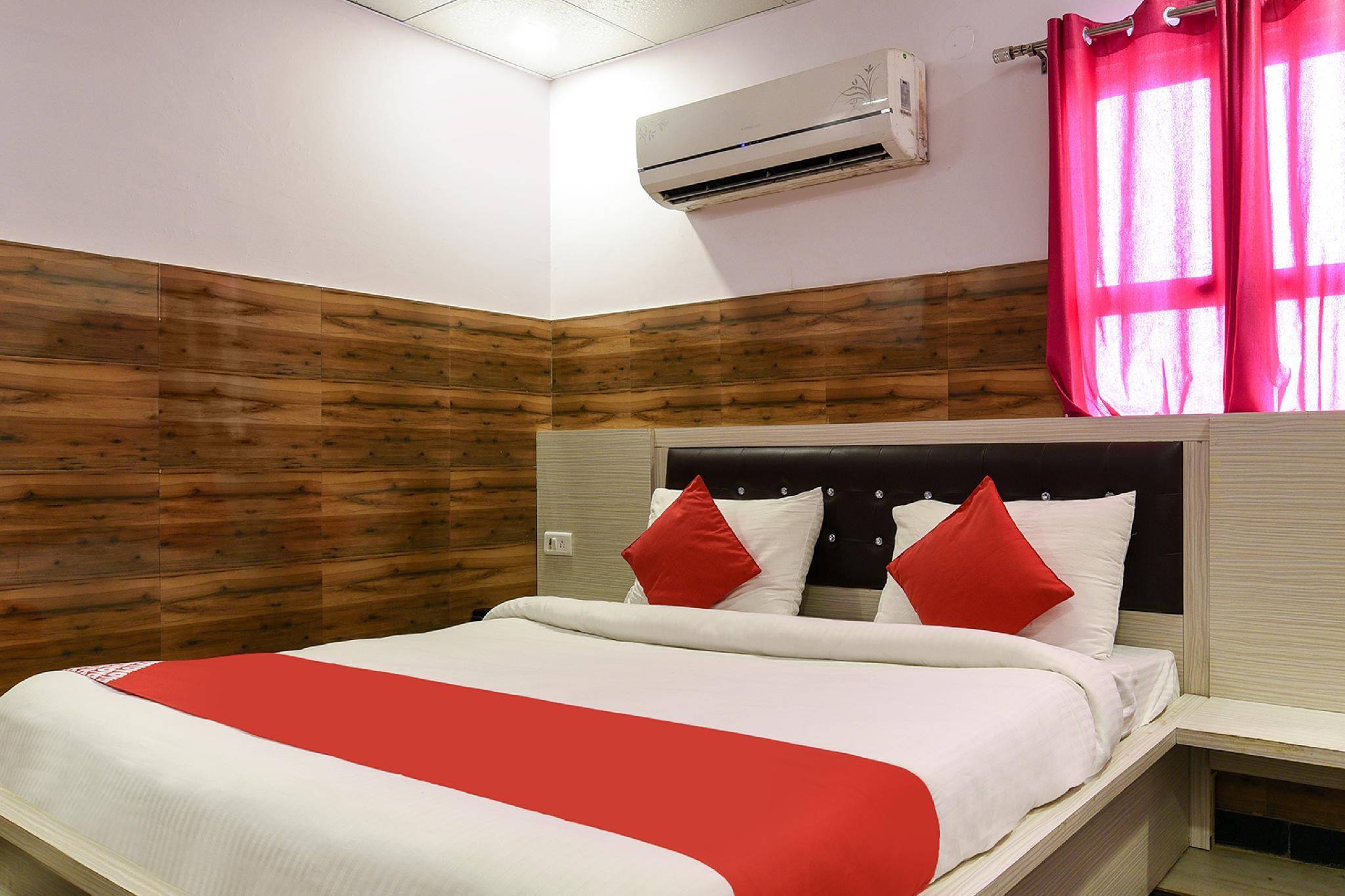 OYO 13772 Hotel Krishna