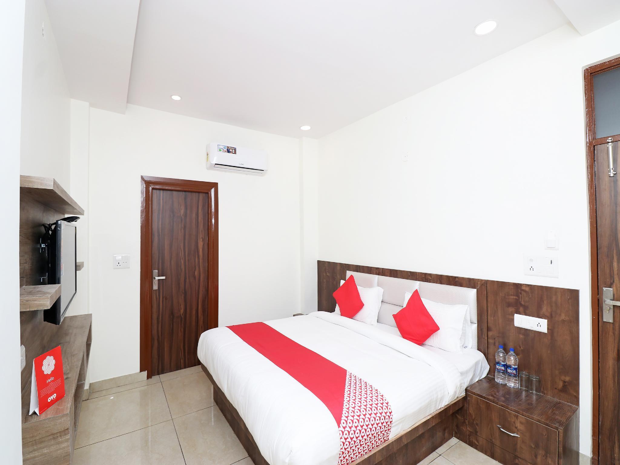 OYO 28246 Rohtak Residency