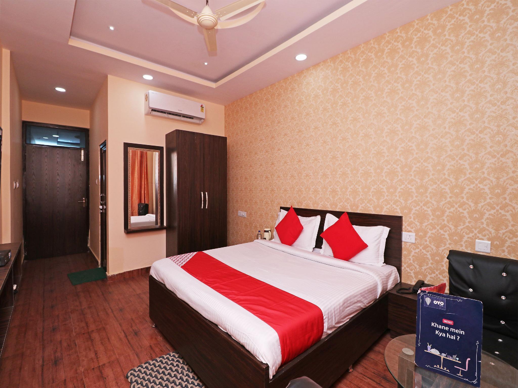 Capital O 13483 Hotel Aradhya's