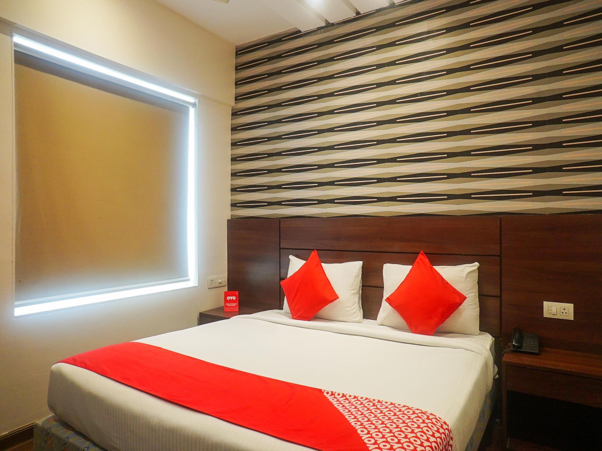 Collection O Premium 15614 Hotel Olive Somwar Peth