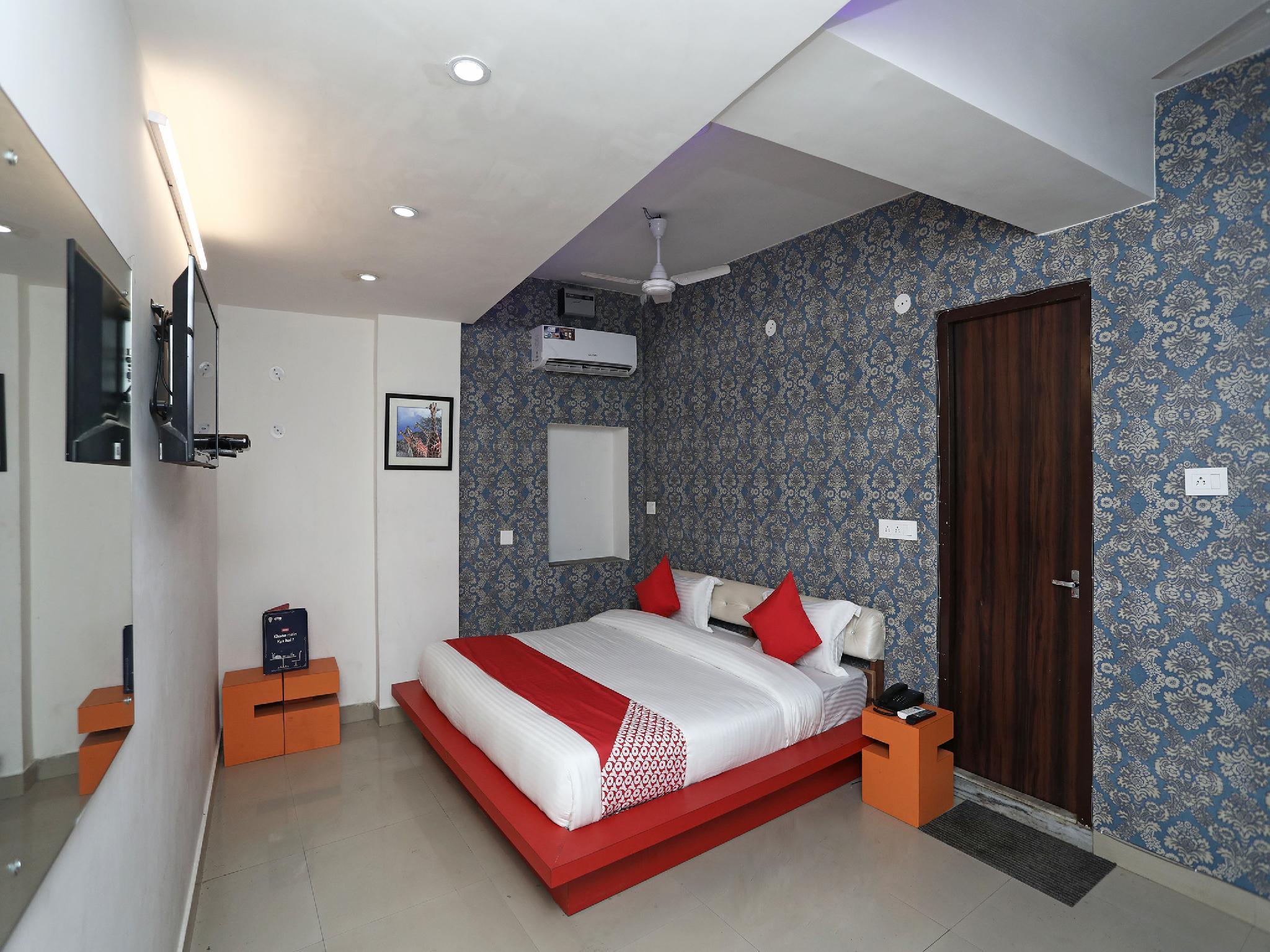 OYO 17085 Bhagat Residency