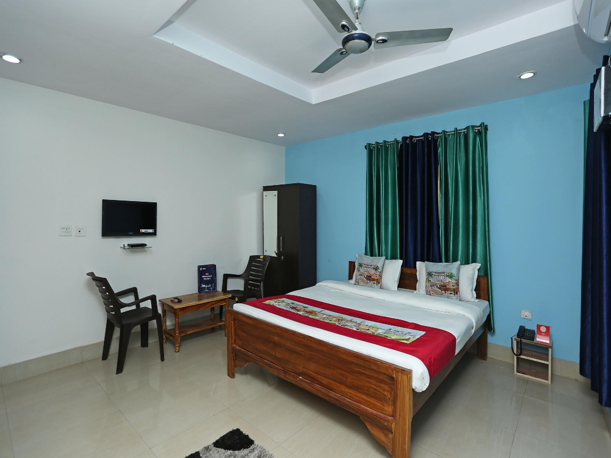 OYO 9245 Capital Guest House III