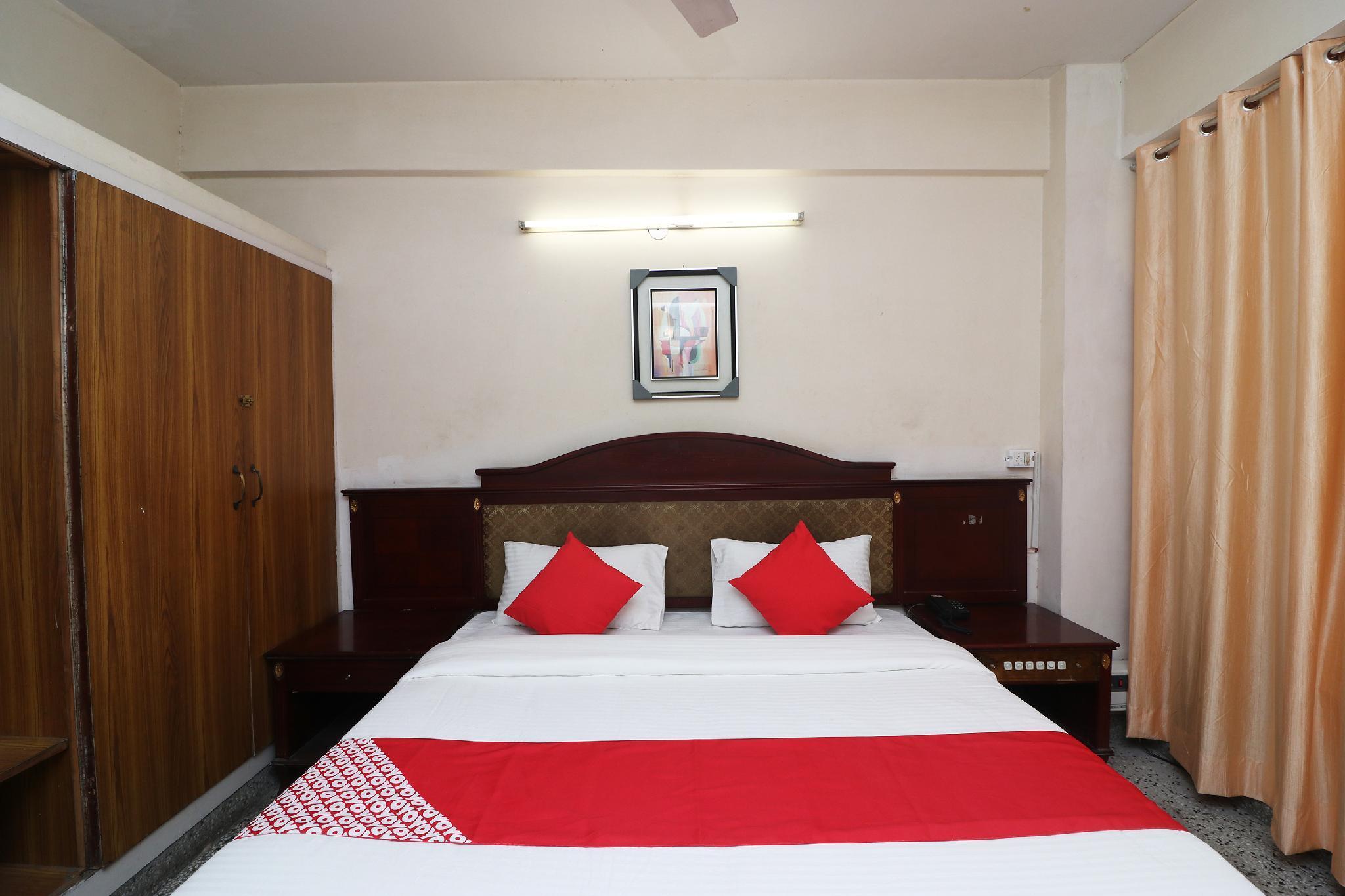 Capital O 27980 Hotel Inderlok